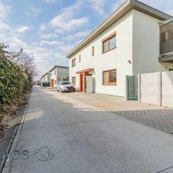 Predaj 2 izb. bytu v novostavbe rodinného domu s tromi bytovými jednotkami a ateliérom, Vrakuňa