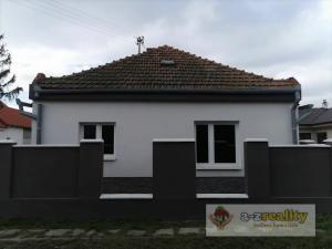 3056 Na predaj vidiecky dom v obci Holiare