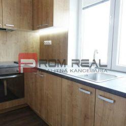 PREDAJ  nového 3 izbového bytu s balkónom  priamo v centre Pezinka