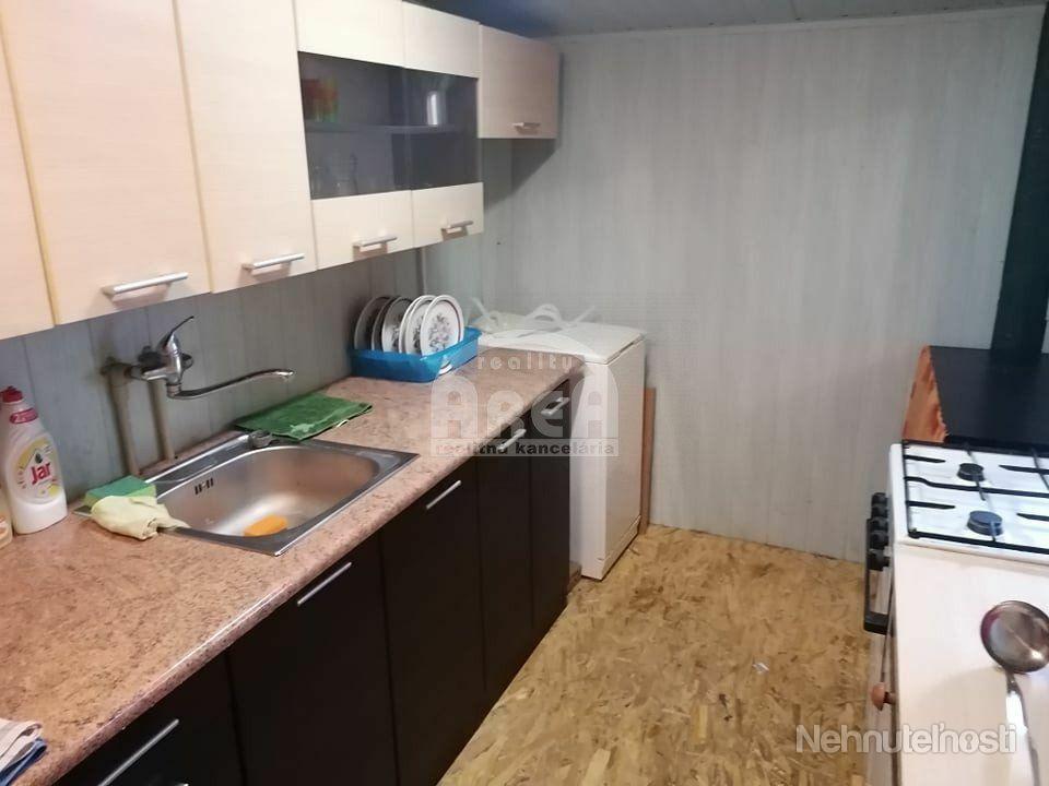 ABSOLÚTNA NOVINKA - Ponúkame na predaj drevenú rekreačnú chatu na Zemplínskej šírave, v časti Prímes