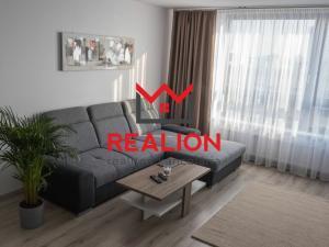 PRENÁJOM: 2i byt 62 m2 + balkón na Jarabinkovej, Ružinov