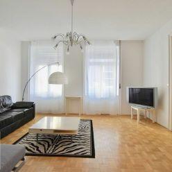 Prenájom, 4,5 izbový zariadený byt v blízkosti centra a EUROVEA