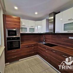 4-izbový byt s balkónom na PREDAJ v Komárne