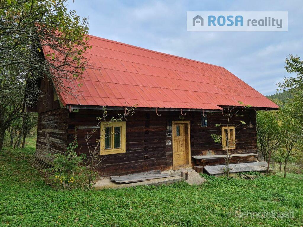 Drevenica v krásnom prostredí obce Horný Vadičov