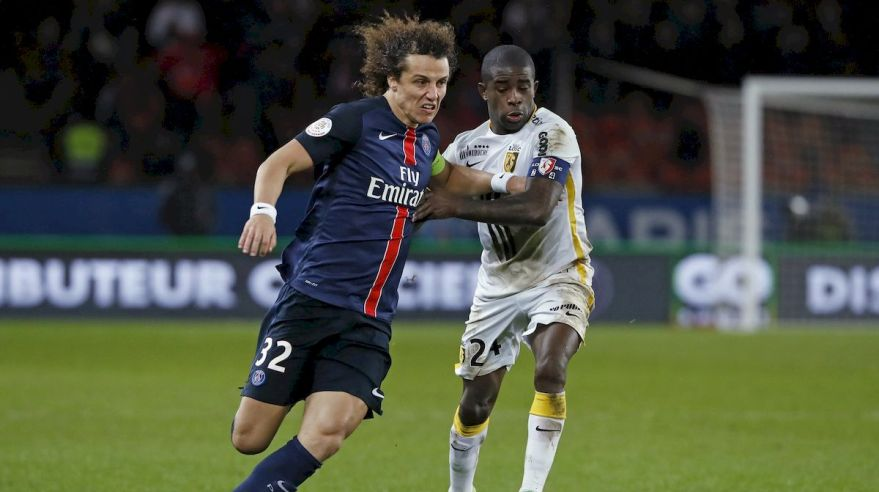 Pariz Saint Germain PSG David Luiz Lille Rio Mavuba feb16 Reuters