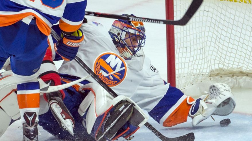 Jaroslav Halak New York Islanders zakrok feb16 Reuters